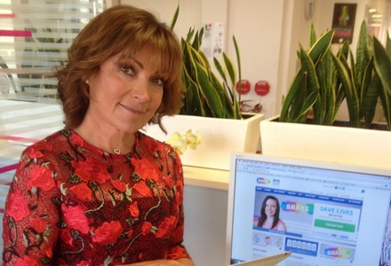 Lorraine Kelly becomes 100,000th volunteer to join SHARE